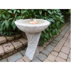 Edinburgh Granite Birdbath in Pink, Dark Grey or Black