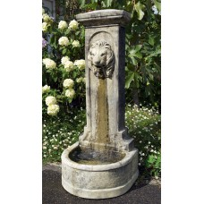 LION UPRIGHT FOUNTAIN ©